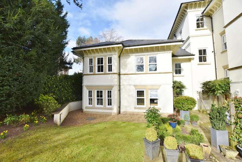 2 Bedrooms Apartment Flat for sale in The Springs, Bowdon