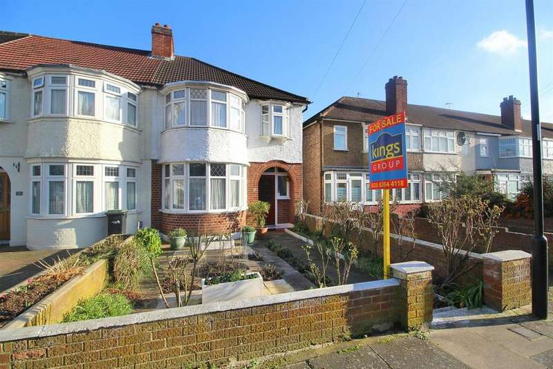 3 Bedrooms House for sale in Tynemouth Drive, Enfield