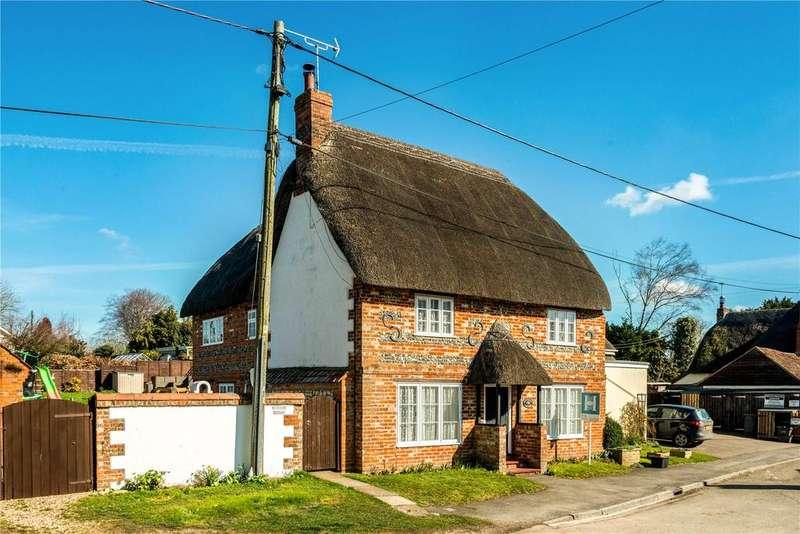 3 Bedrooms Detached House for sale in High Street, Tilshead, Salisbury
