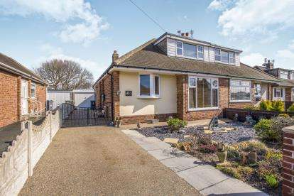 3 Bedrooms Bungalow for sale in Hexham Avenue, Thornton-Cleveleys, FY5