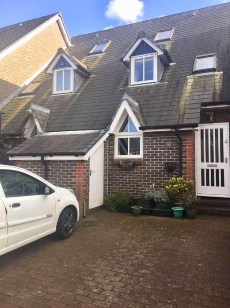 3 Bedrooms Town House for sale in Lewes