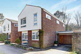 4 Bedrooms Detached House for sale in Rushmead Close, Park Hill, Croydon, Surrey