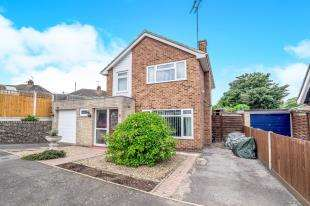 3 Bedrooms Detached House for sale in Grove Park Avenue, Sittingbourne, Kent