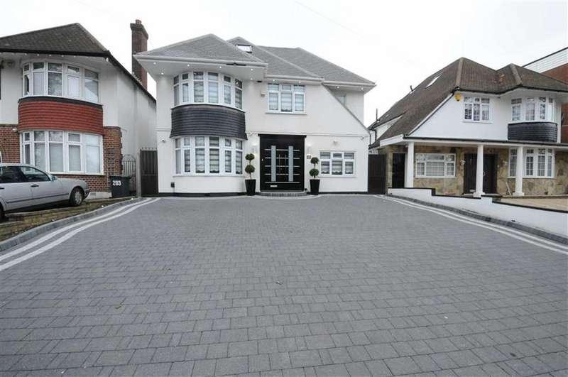 5 Bedrooms Detached House for sale in Cat Hill, East Barnet, Herts, EN4