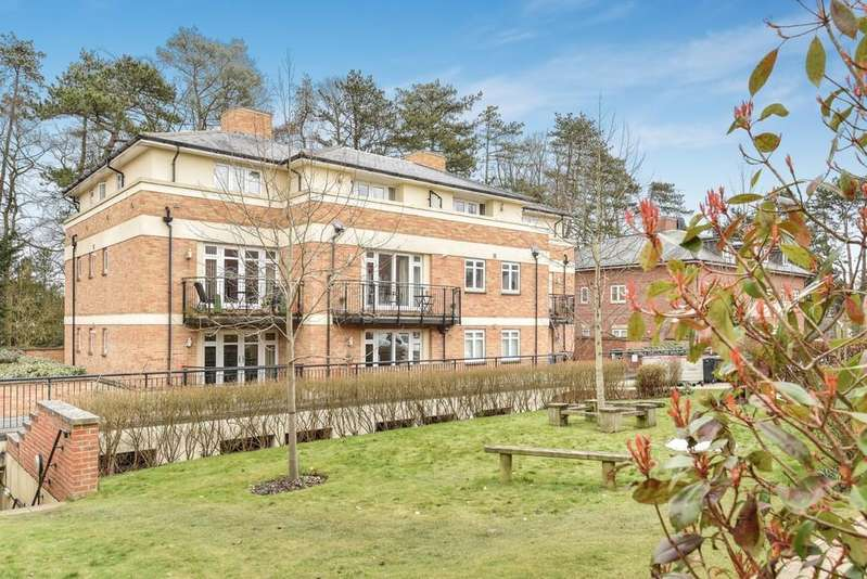 2 Bedrooms Apartment Flat for sale in Fraser Gardens, Winchester