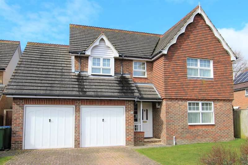 4 Bedrooms Detached House for sale in Cornflower Way, Southwater, Horsham