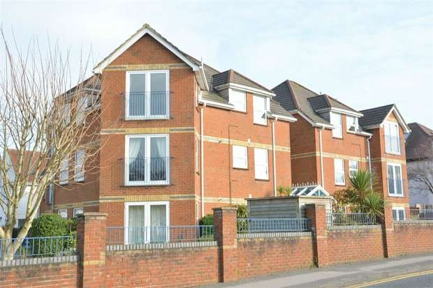 2 Bedrooms Flat for sale in Alumhurst Road, Alum Chine, Bournemouth