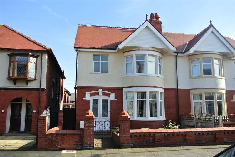 3 Bedrooms Semi Detached House for sale in Lincoln Road, Blackpool