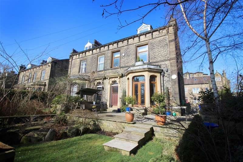 6 Bedrooms Semi Detached House for sale in Savile Park Road, Halifax