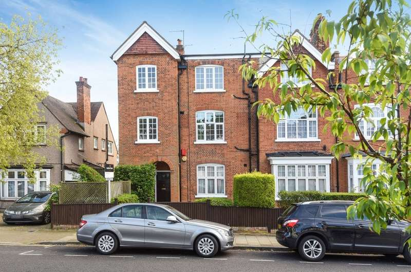 2 Bedrooms Ground Flat for sale in Cecil Park, Pinner