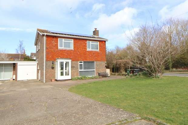 4 Bedrooms Detached House for sale in Cloverleaf Wallsend Road, Pevensey, BN24