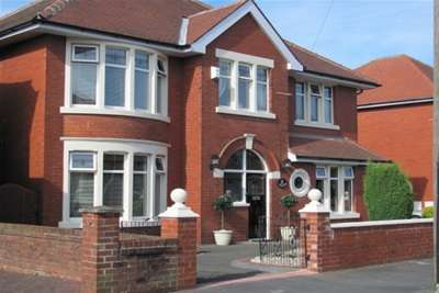 4 Bedrooms Detached House for rent in The Boulevard, Lytham St. Annes