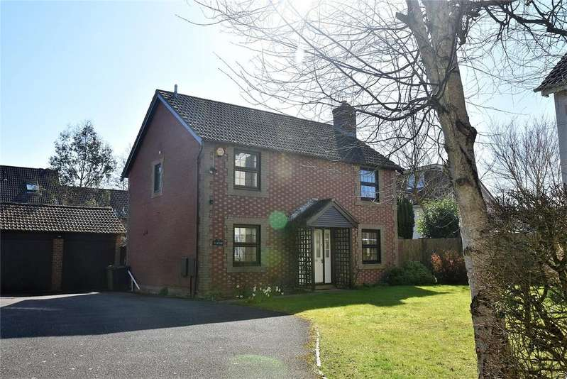 4 Bedrooms Detached House for sale in Pond Road, Bramley, Tadley, Hampshire, RG26