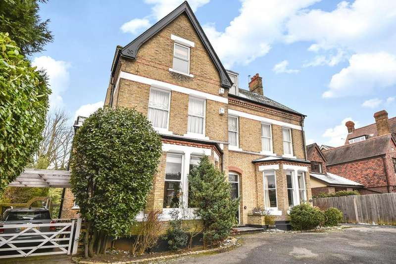 2 Bedrooms Flat for sale in Bromley Grove, Bromley