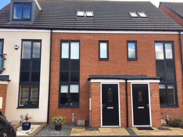 3 Bedrooms Semi Detached House for sale in Roseden Way, Newcastle Upon Tyne