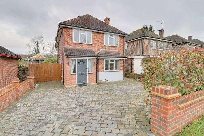 4 Bedrooms Detached House for sale in Ambrey Way, Wallington