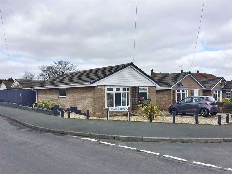2 Bedrooms Bungalow for sale in Howes Road, Hunmanby
