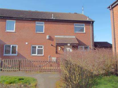 3 Bedrooms Semi Detached House for sale in Amadis Road, Leicester, Leicestershire
