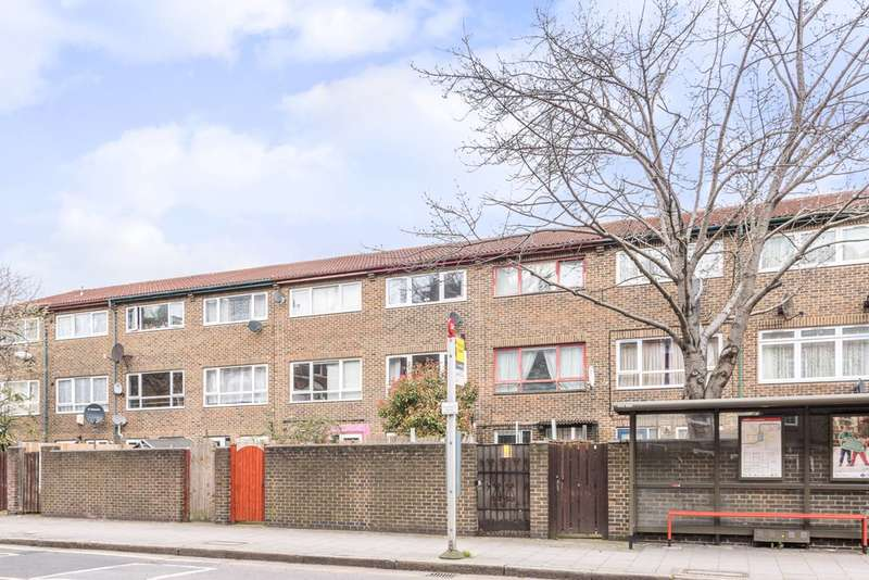 4 Bedrooms House for sale in Stoughton Close, Kennington, SE11