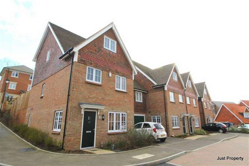 3 Bedrooms Town House for sale in Woodlands Way, Hastings
