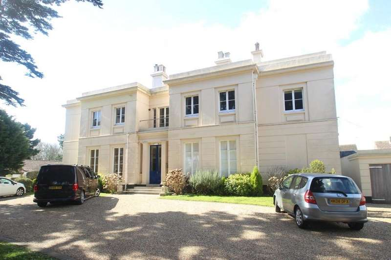 2 Bedrooms Ground Flat for sale in The Street, East Preston