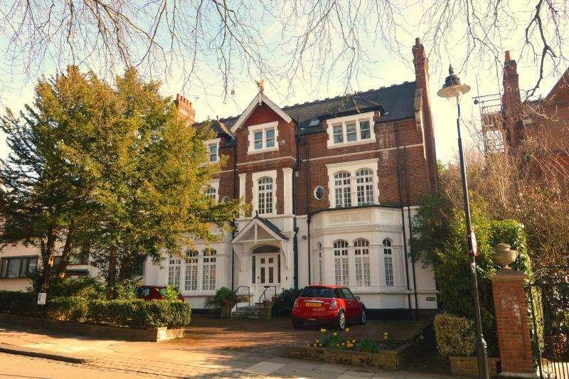 3 Bedrooms Maisonette Flat for sale in Broadlands Road, Highgate N6