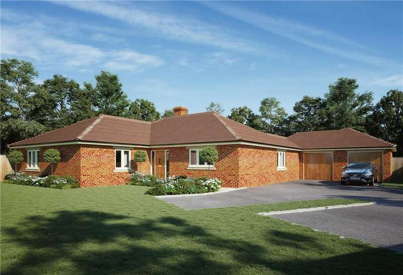3 Bedrooms Detached Bungalow for sale in Manor Close, Urchfont, Devizes, Wiltshire, SN10