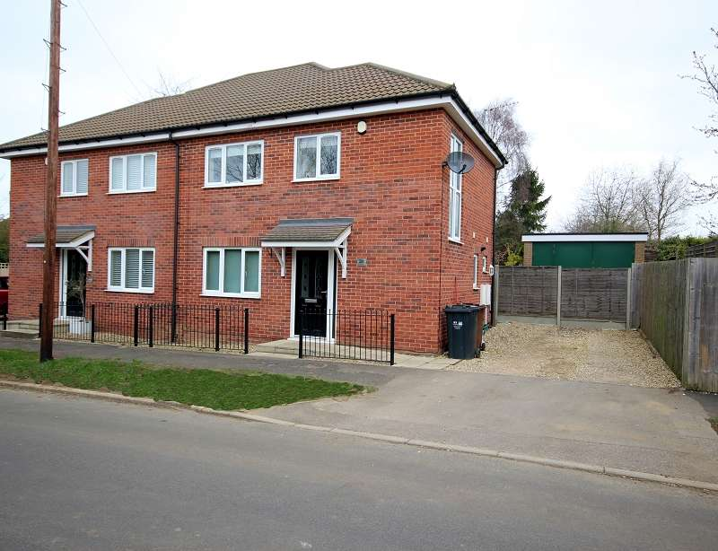 3 Bedrooms Semi Detached House for sale in Lynton Avenue, Northampton, Northamptonshire. NN2 8LX