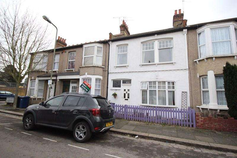 3 Bedrooms Terraced House for sale in Grange Avenue, North Finchley