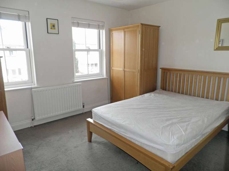3 Bedrooms Property for rent in Banbury Road, Kidlington OX5