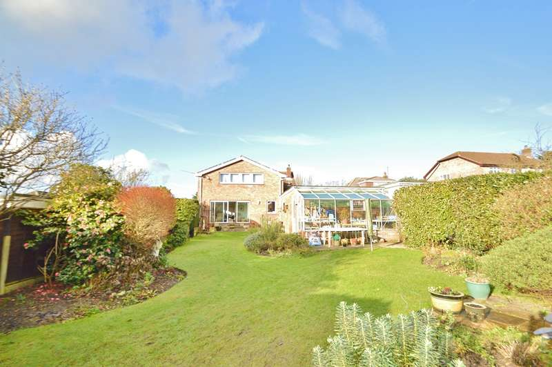 4 Bedrooms Detached House for sale in Locks Heath