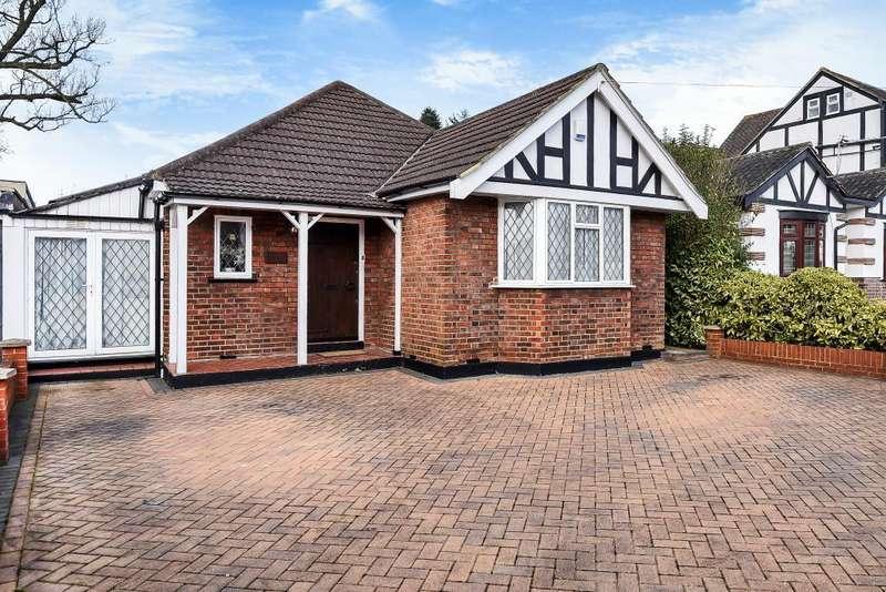 2 Bedrooms Detached Bungalow for sale in Pinner, Harrow, HA5