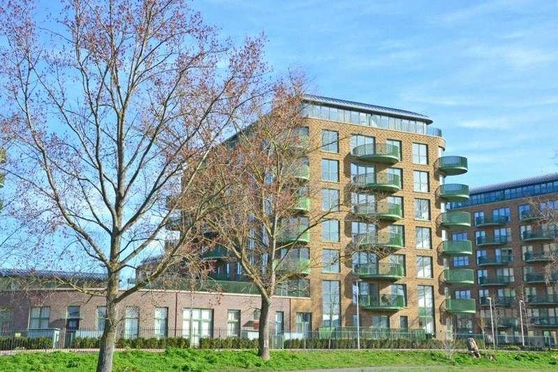 3 Bedrooms Flat for sale in Grayston House, 1 Ottley Drive, Kidbrooke Village, London, SE3