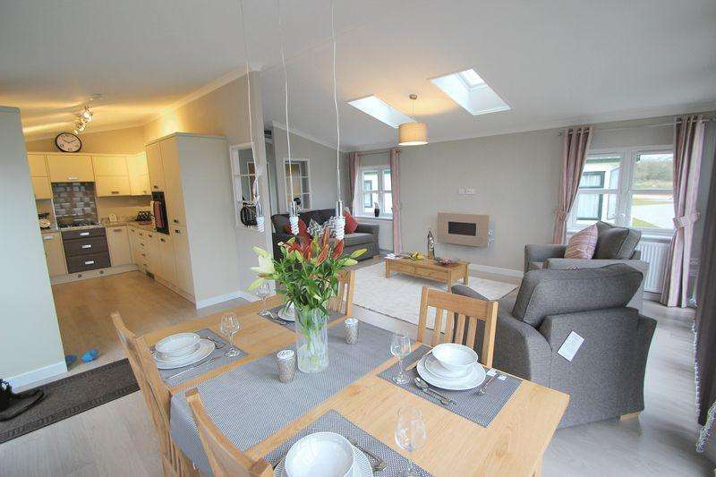 2 Bedrooms Park Home Mobile Home for sale in Welford Chase, Binton Road, Welford on Avon