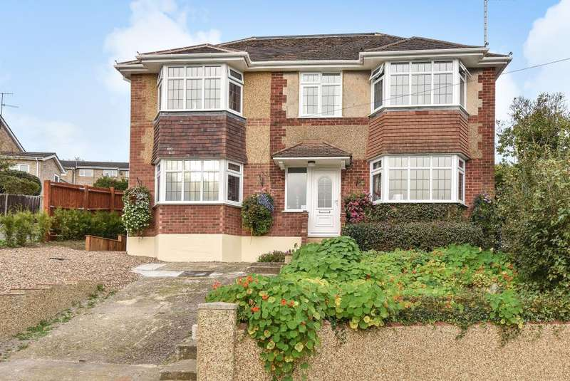 4 Bedrooms Detached House for sale in High Wycombe, Buckinghamshire, HP13