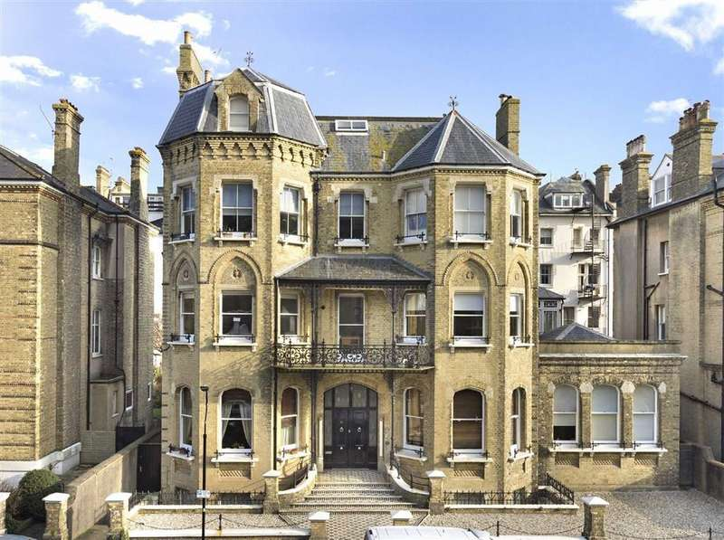 2 Bedrooms Flat for sale in Second Avenue, Hove