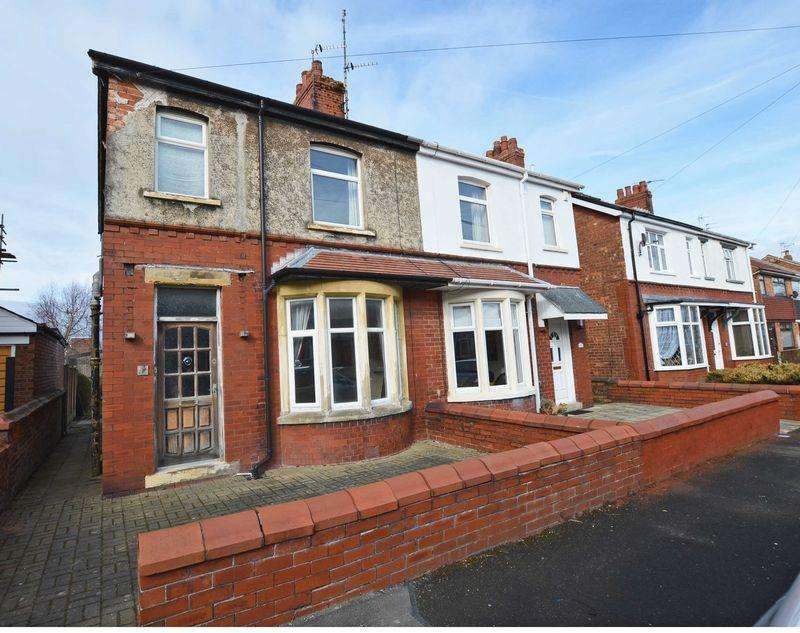 3 Bedrooms Semi Detached House for sale in Fylde Road, Poulton-Le-Fylde, FY6 7JE