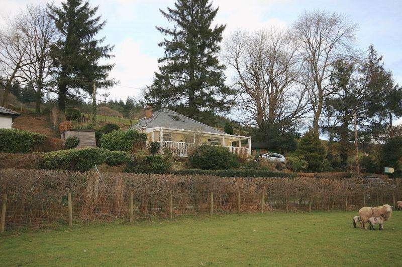 3 Bedrooms Detached Bungalow for sale in Crafnant Road, Trefriw
