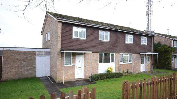 4 Bedrooms Semi Detached House for sale in Spey Road, Tilehurst, Reading