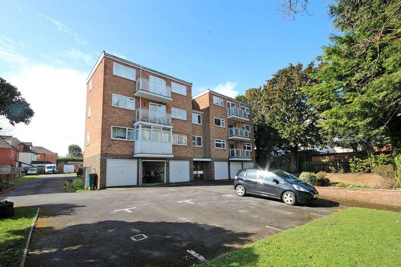 2 Bedrooms Flat for sale in Southbourne Road, Bournemouth