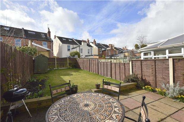 2 Bedrooms Terraced House for sale in Francis Street, CHELTENHAM, Gloucestershire, GL53 7NY