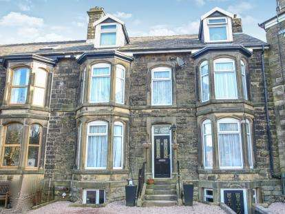 6 Bedrooms Semi Detached House for sale in Clifton Bank, Buxton, Derbyshire, High Peak