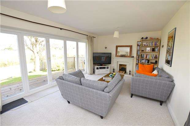3 Bedrooms Detached House for sale in Arundel Drive, Stroud, Gloucestershire, GL5 3SH