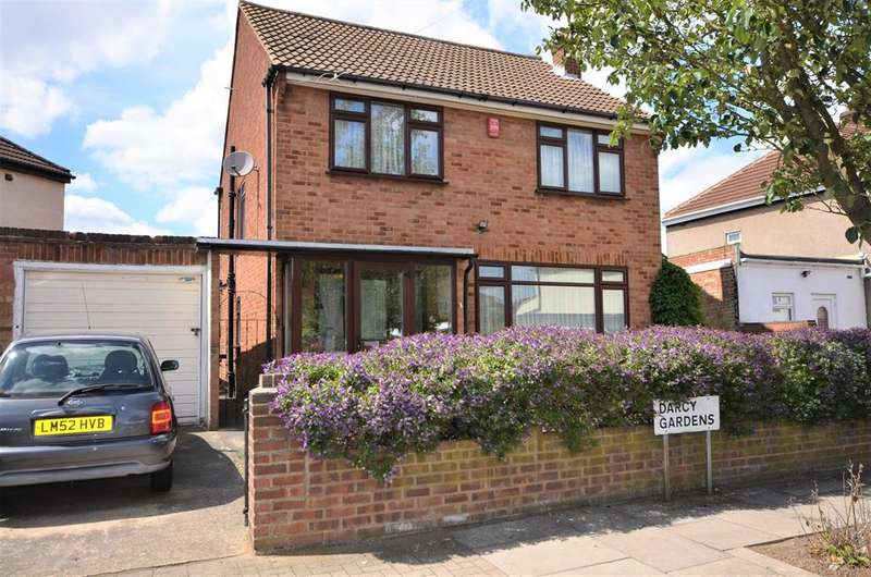 3 Bedrooms Detached House for sale in Darcy Gardens , Kenton, Harrow, Middlesex, HA3 9JS