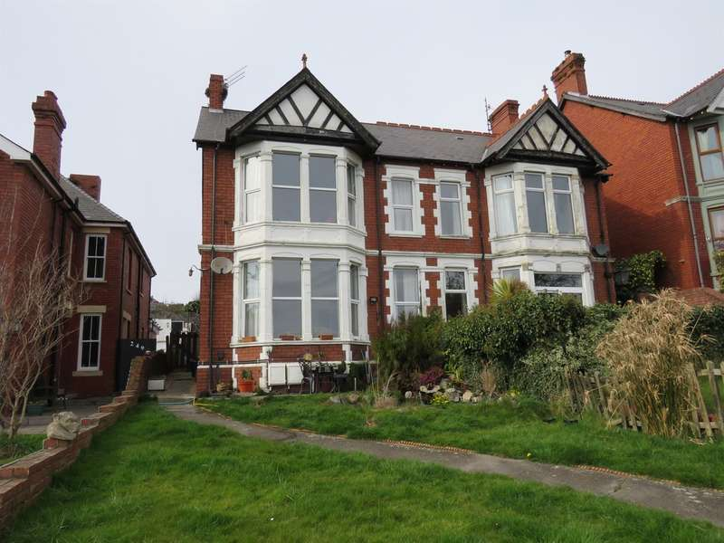 4 Bedrooms Semi Detached House for sale in Gladstone Road, Barry