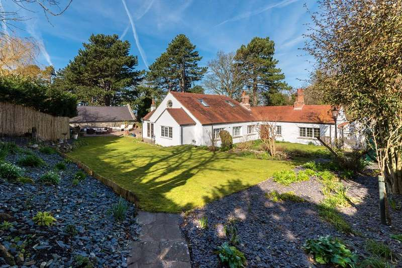 4 Bedrooms Cottage House for sale in Allt Y Graig, Dyserth