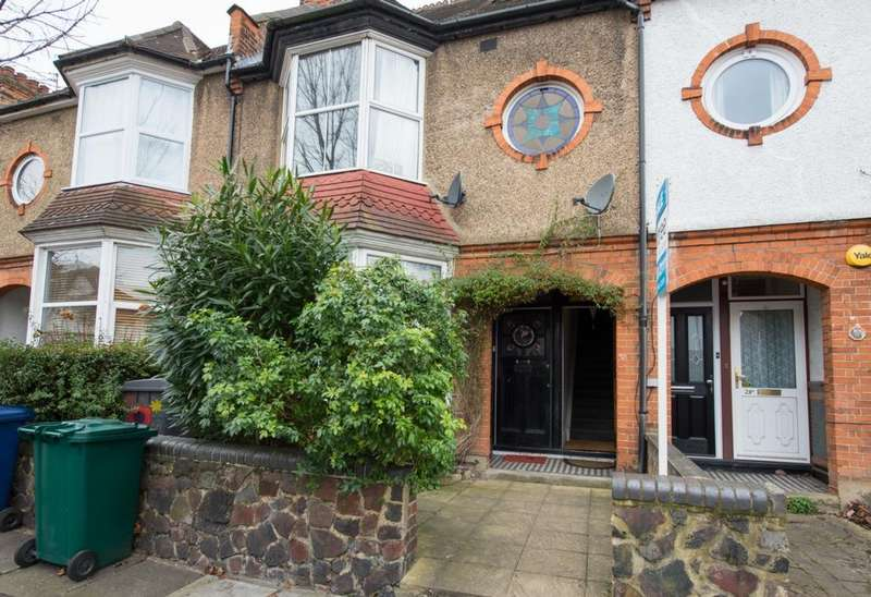 4 Bedrooms Maisonette Flat for sale in Alexandra Road, Hendon, NW4
