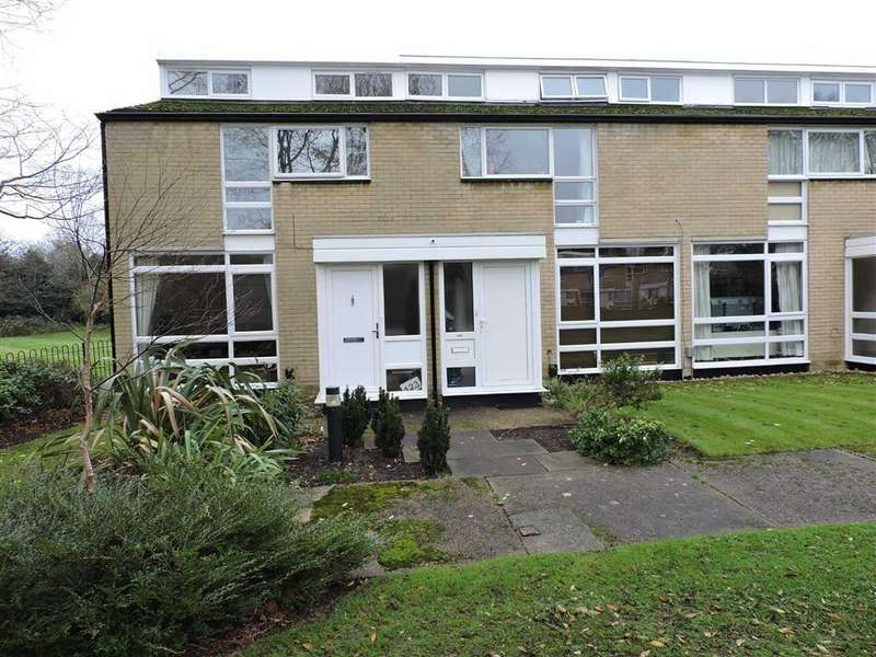 3 Bedrooms Terraced House for sale in Weymede, Byfleet, Surrey