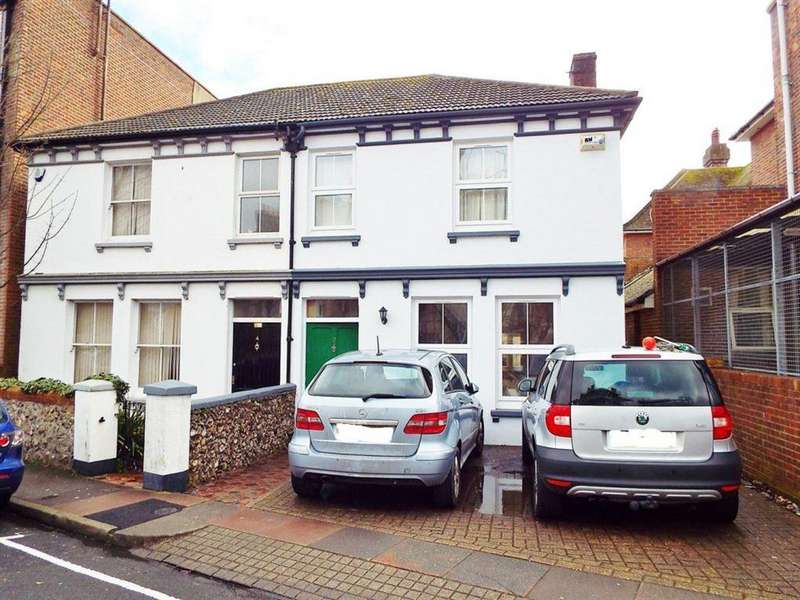 4 Bedrooms House for rent in St Leonards Road