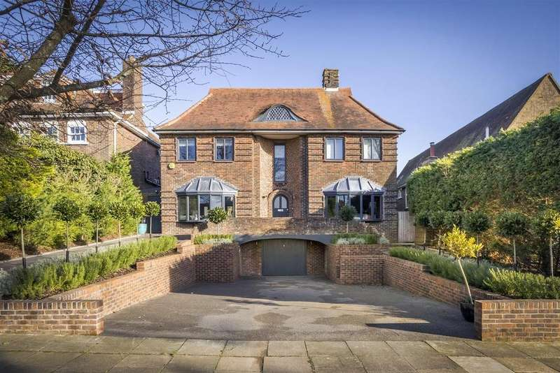 5 Bedrooms Detached House for sale in Tongdean Avenue, Hove